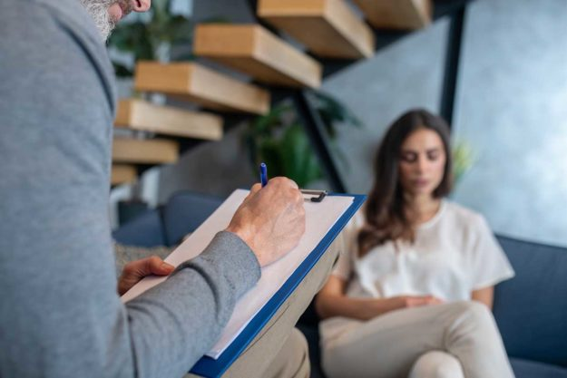 individual psychotherapy at a mental health treatment center